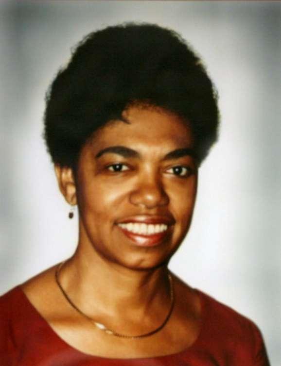 Dr. Lela LLorens photo